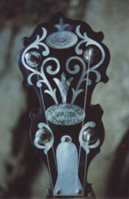 [Grainger headstock]